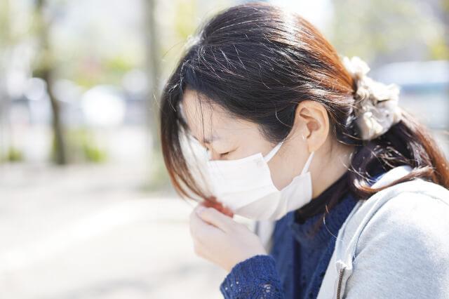 【写真】花粉症の女性